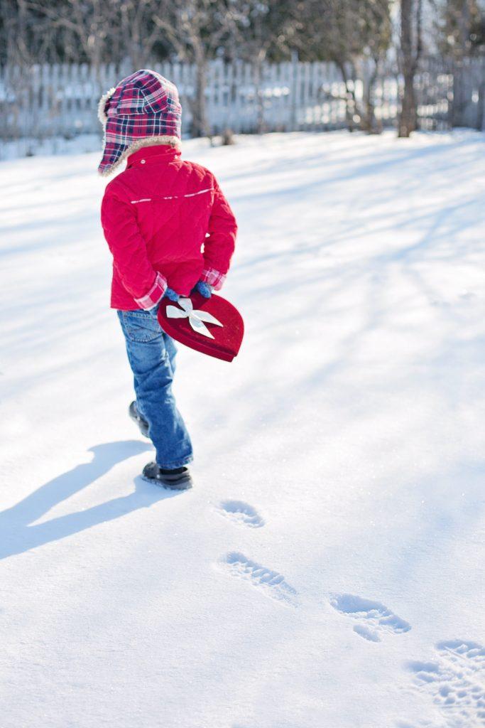 valentine-s-day-little-boy-snow-winter